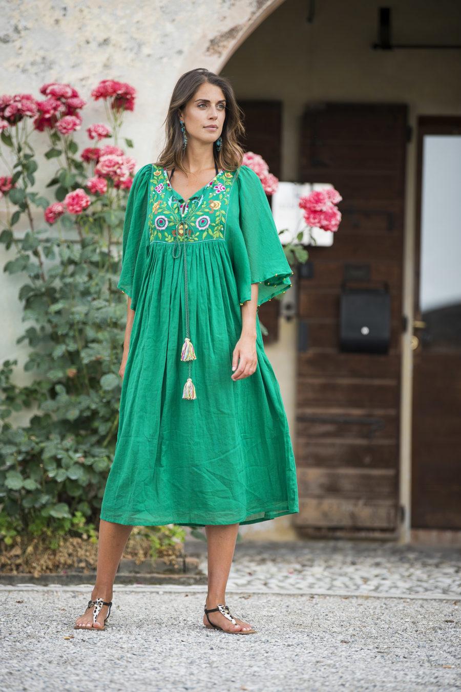 Caftano in cotone verde smeraldo ricamo floreale